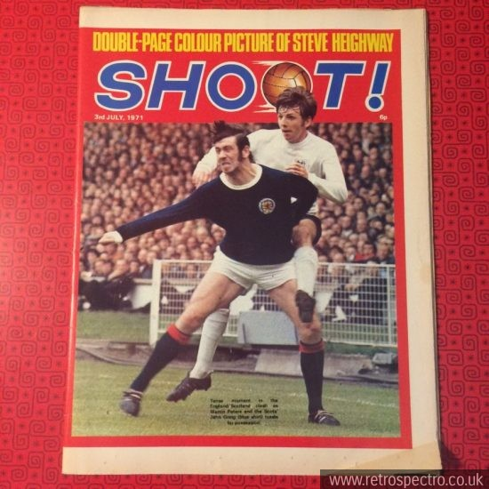Shoot Football magazine 1971