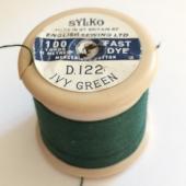 D.122 Ivy Green